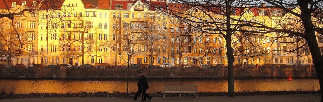Berlin 14059 - Bonhoefferufer ggü. Charlottenburger Schloßpark - 131227-010